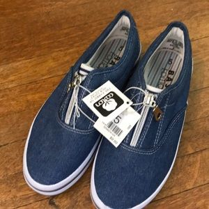 NWT size 5 denim sneakers